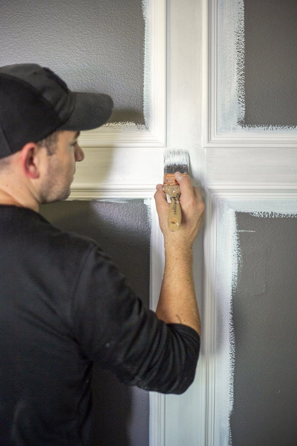 5 rules about primer and paint we wish we had known as beginner DIYers and how to create a paint finish on walls, doors, trim, and moldings that last.   Master Bedroom Refresh with Kilz®