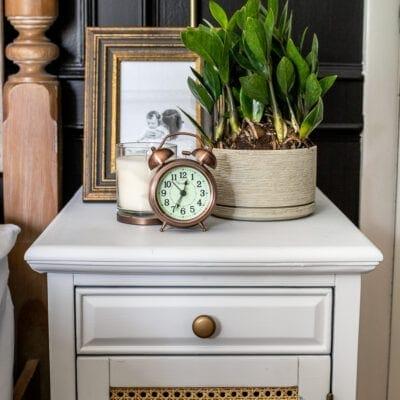 4 Simple Nightstand Decor Ideas