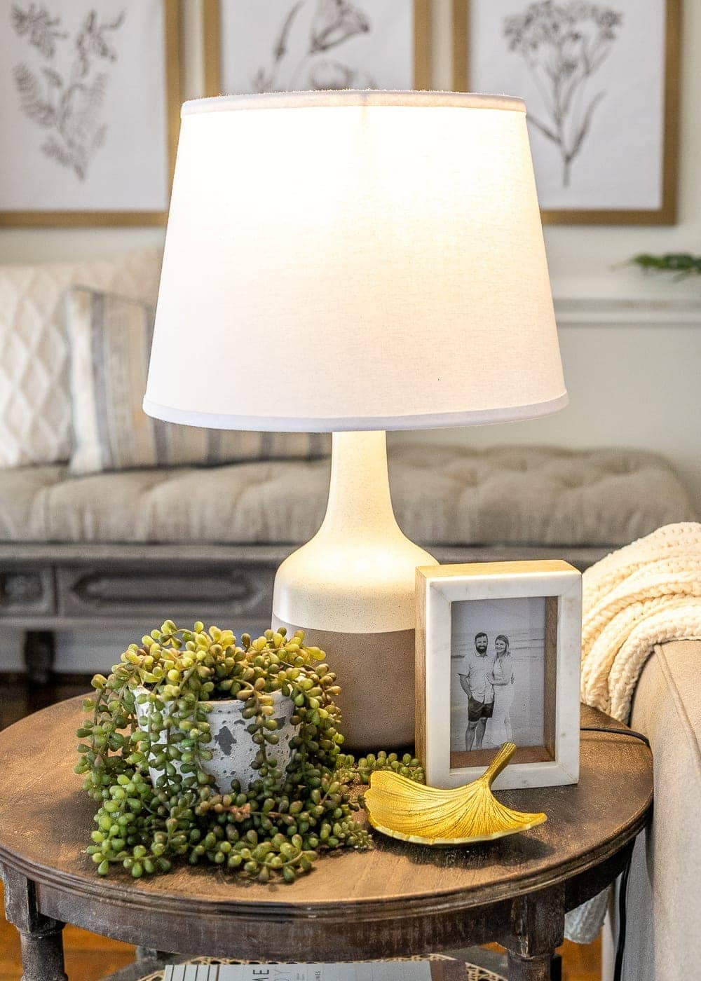items to always use for end table decor