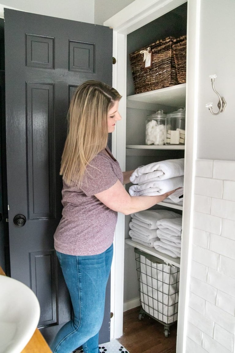 5 Habits We Use to Stay Organized at Home & a Helpful Resource