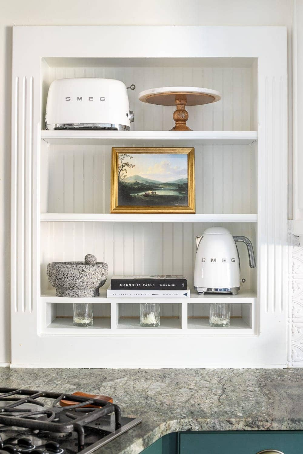 How to Decorate Shelves | 8 tips for decorating shelves to make them look perfectly styled and balanced every single time to make a statement in any room.