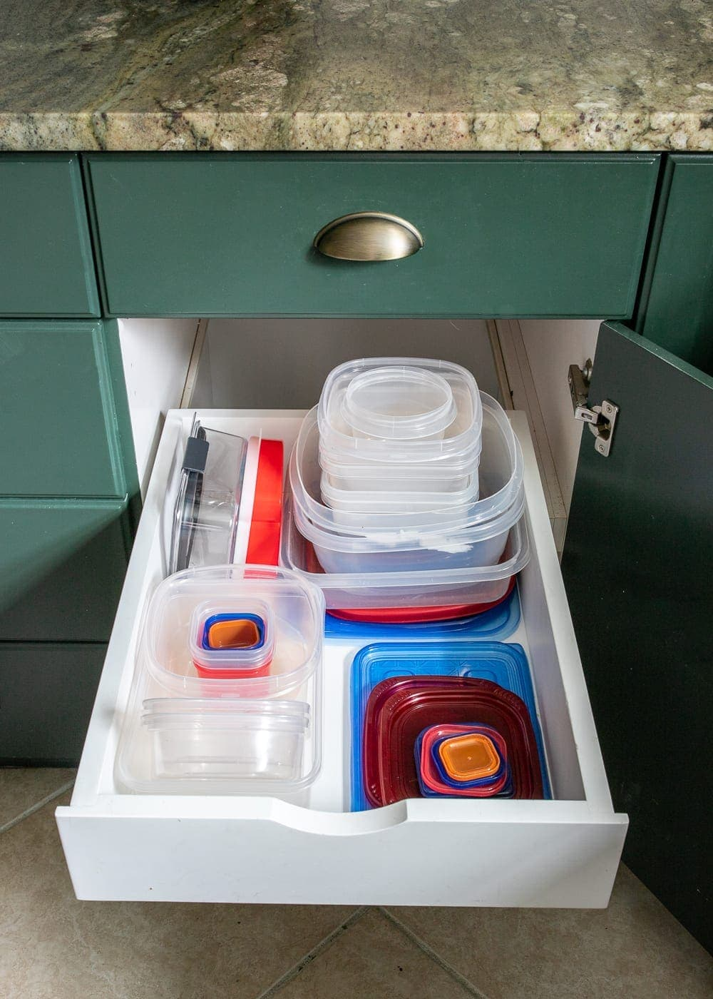 Kitchen Organization Makeover | Tupperware Drawer Organization