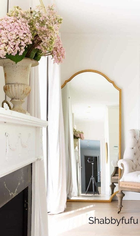 DIY Wall Decor Ideas | oversized mirror