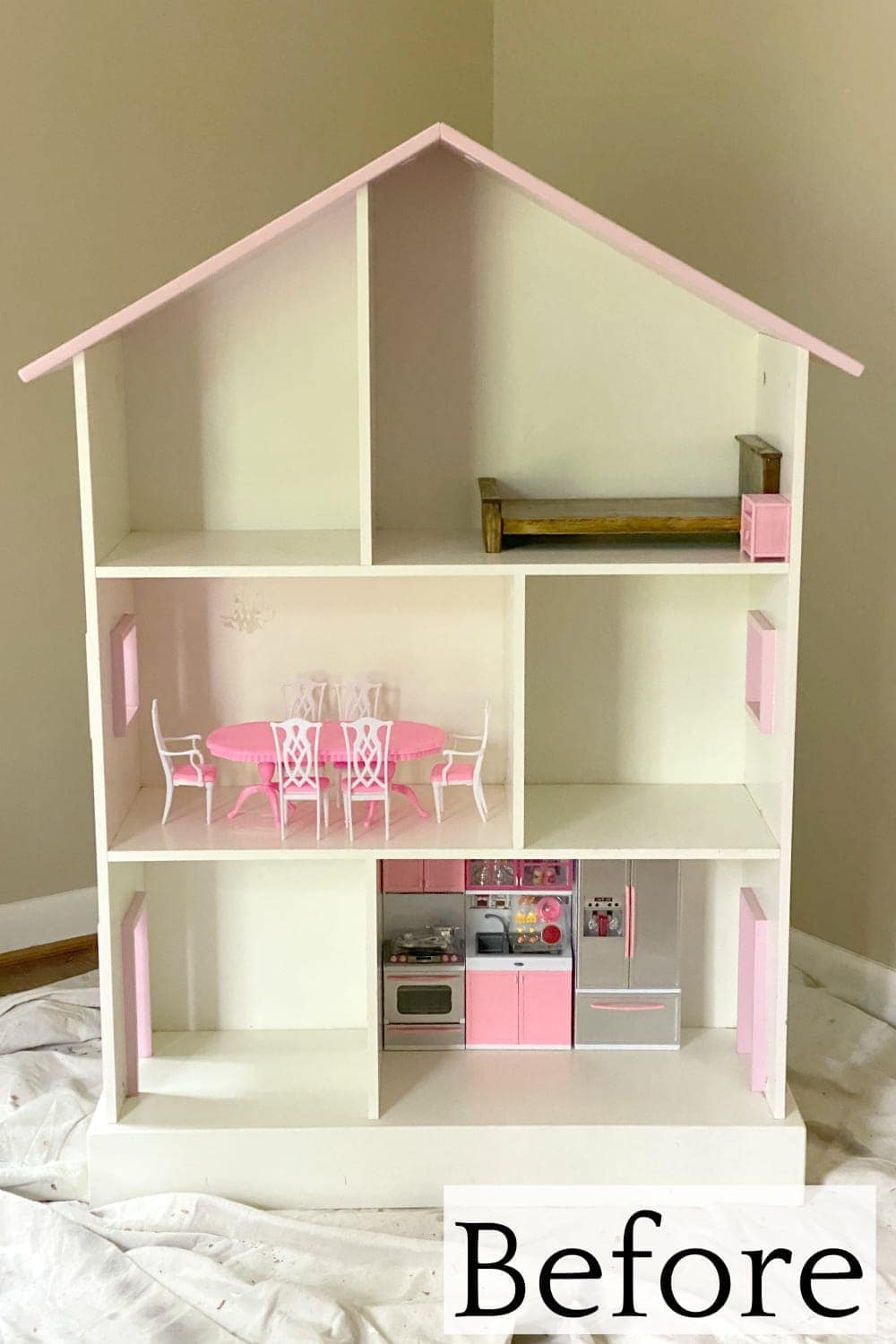 things to buy while thrift shopping : old dollhouses