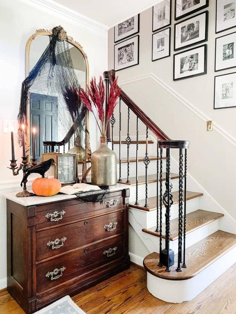 10 Vintage Halloween Art Printables & Spooky Entryway