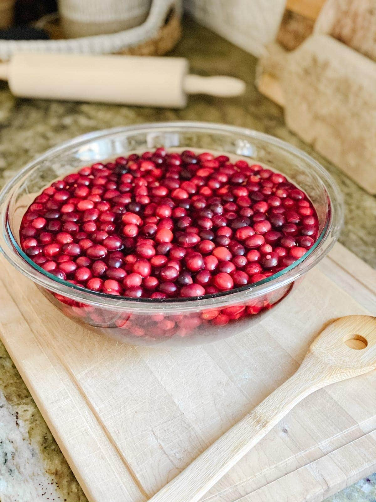 How to dry cranberries for decorating
