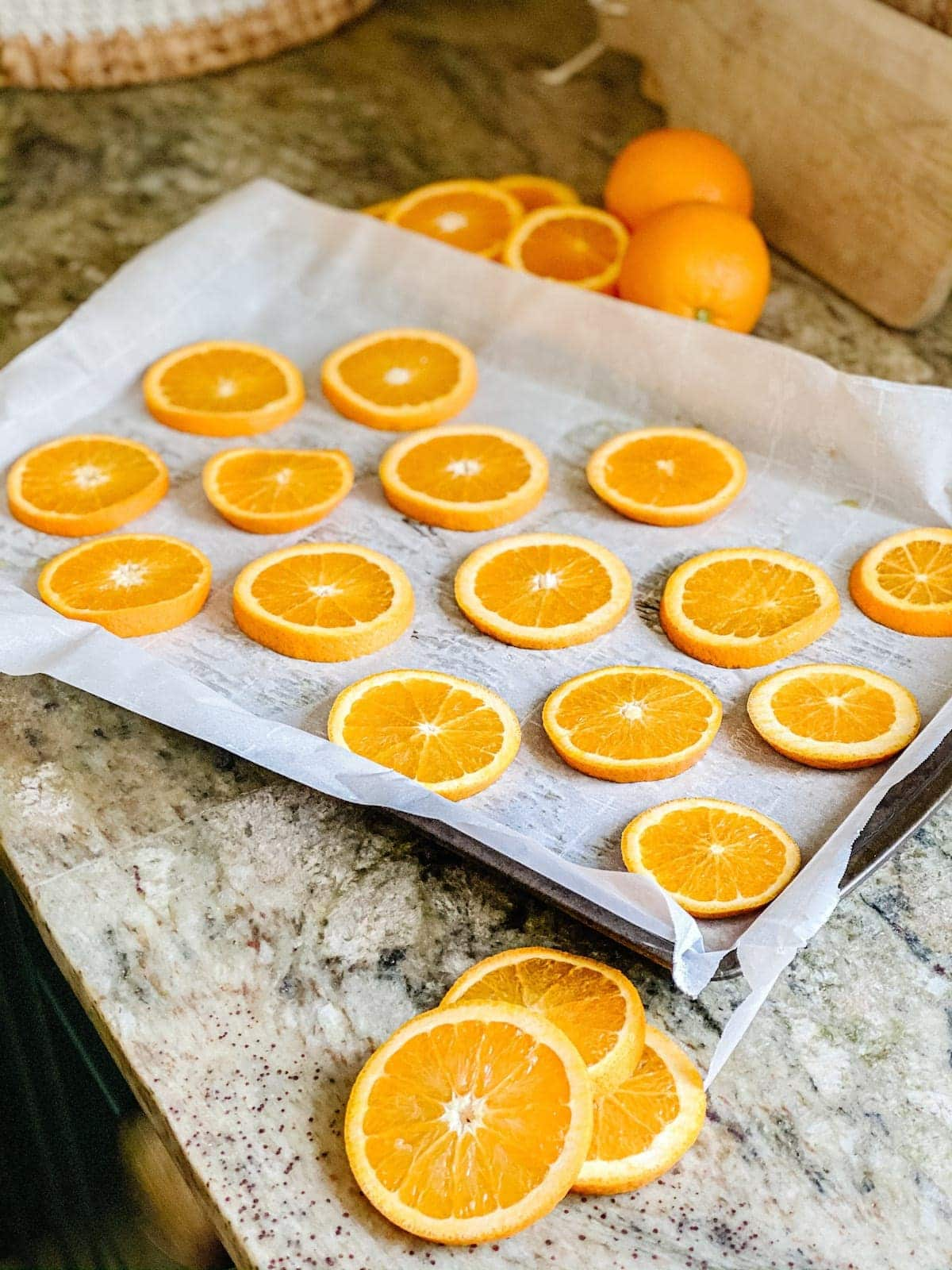 How to dry orange slices for Christmas decorating