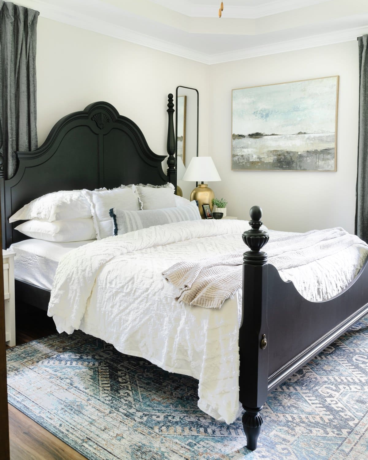 10 Small Bedroom Ideas to Make Your Space Feel Bigger