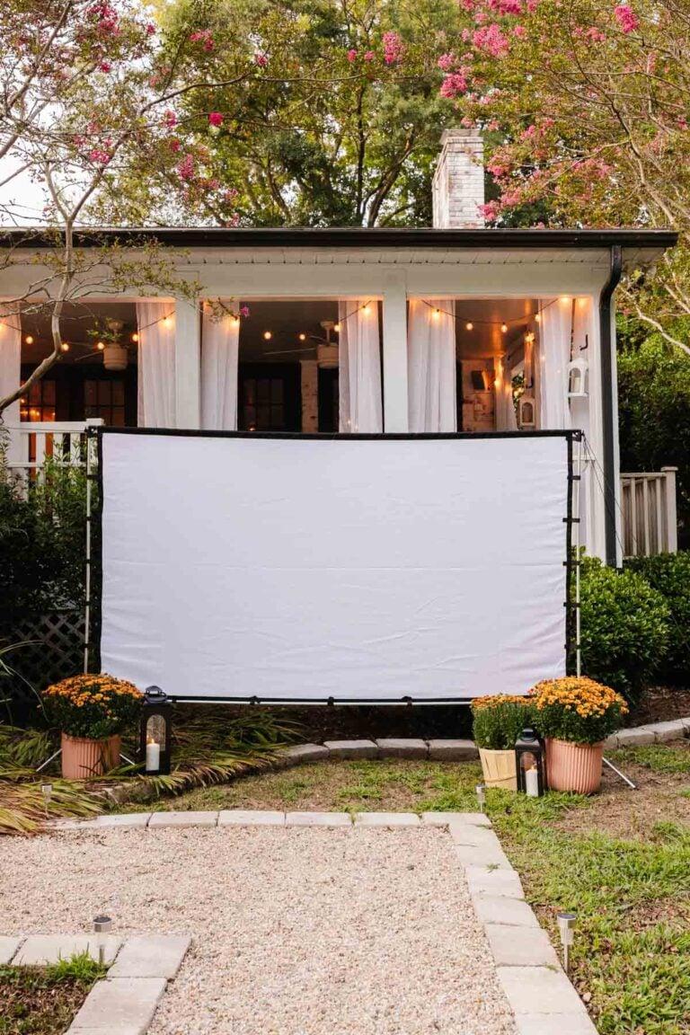 How to Set Up a Backyard Movie Night on a Budget